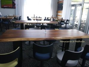 table bar en noyer live edge-1